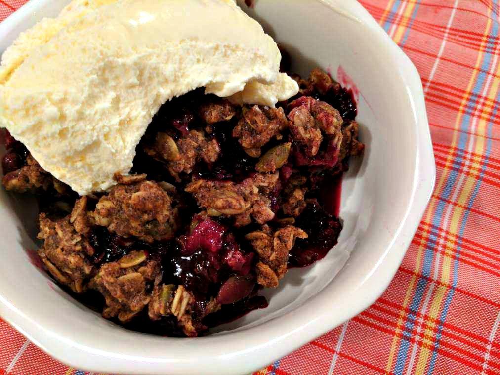 Cara's Cucina: Berry Cobbler