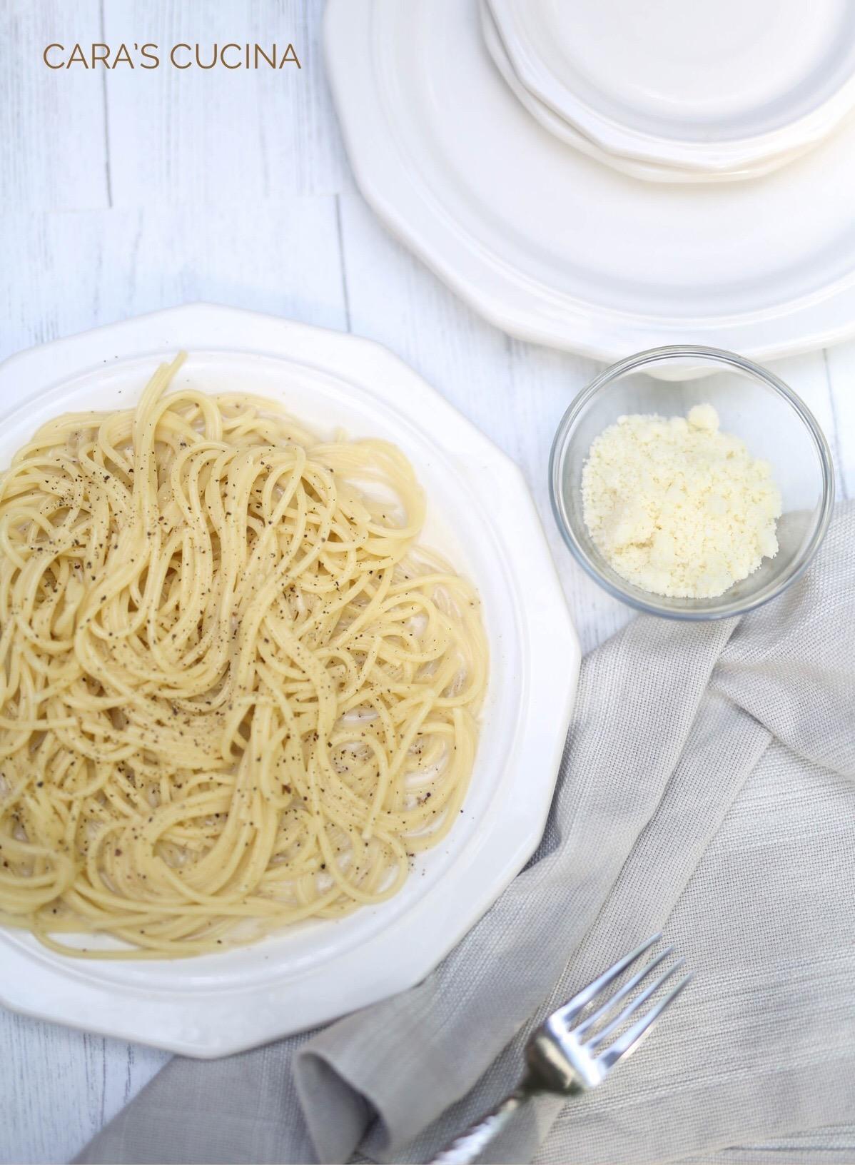 Cara's Cucina: Cacio e Pepe